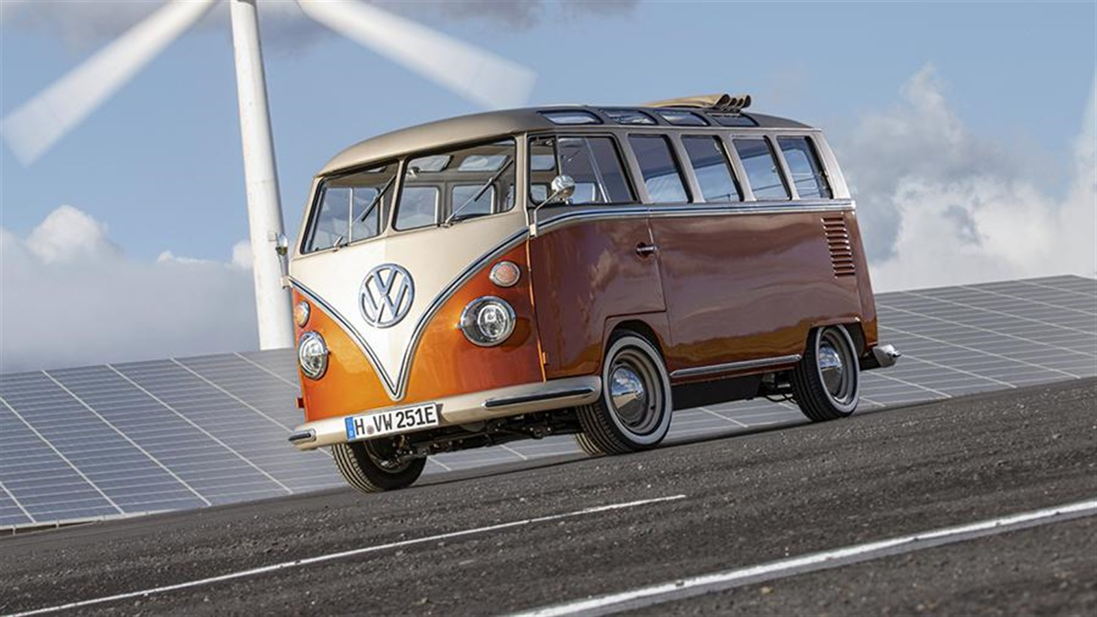 Photo of Volkswagen releases an electric retro bus