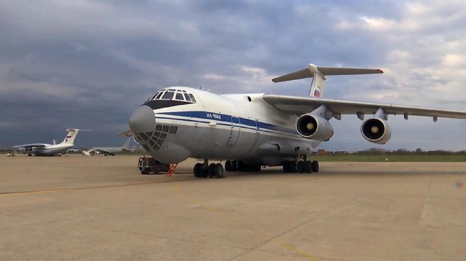 Photo of The first plane with experts from the Ministry of defense take off from Russia to Serbia