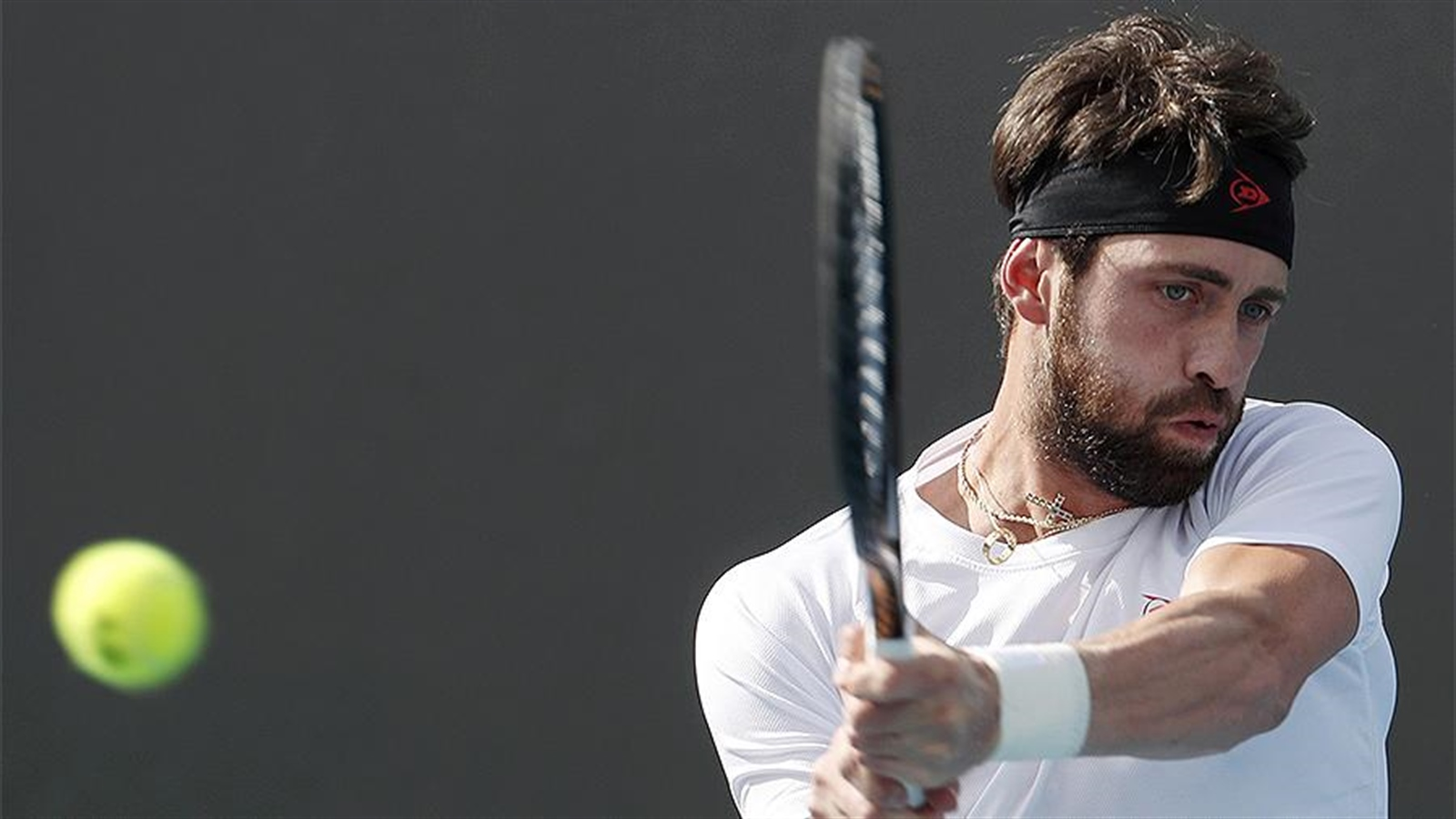 Photo of Tennis player Basilashvili was detained in Georgia for beating his ex-wife