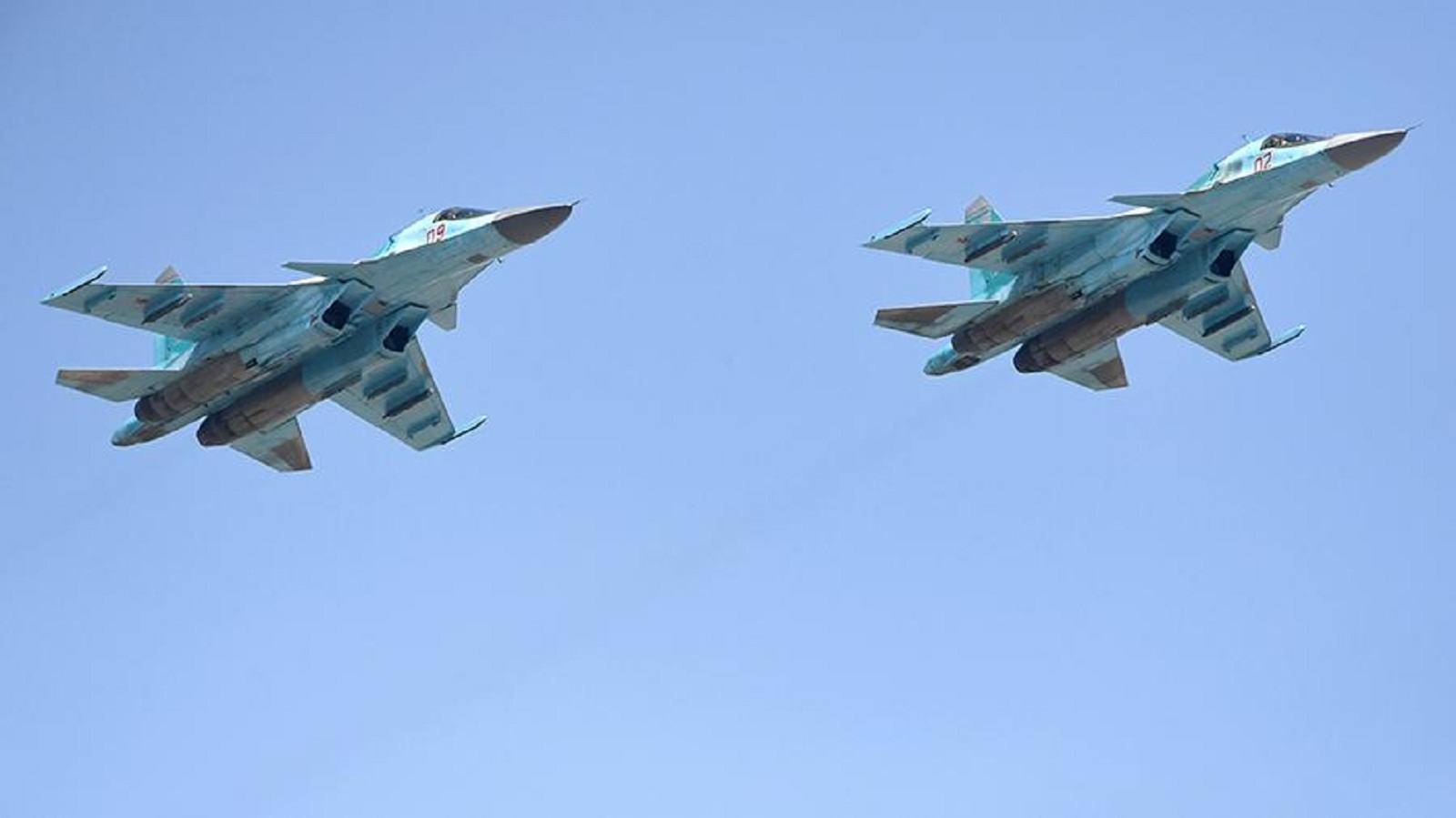 Photo of Russian airforce pilots held a Victory air parade in Syria