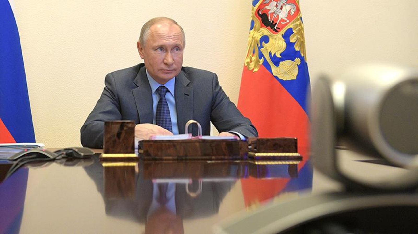 Russian President Vladimir Putin has instructed the government to submit a national action plan for economic recovery by June 1. This is stated