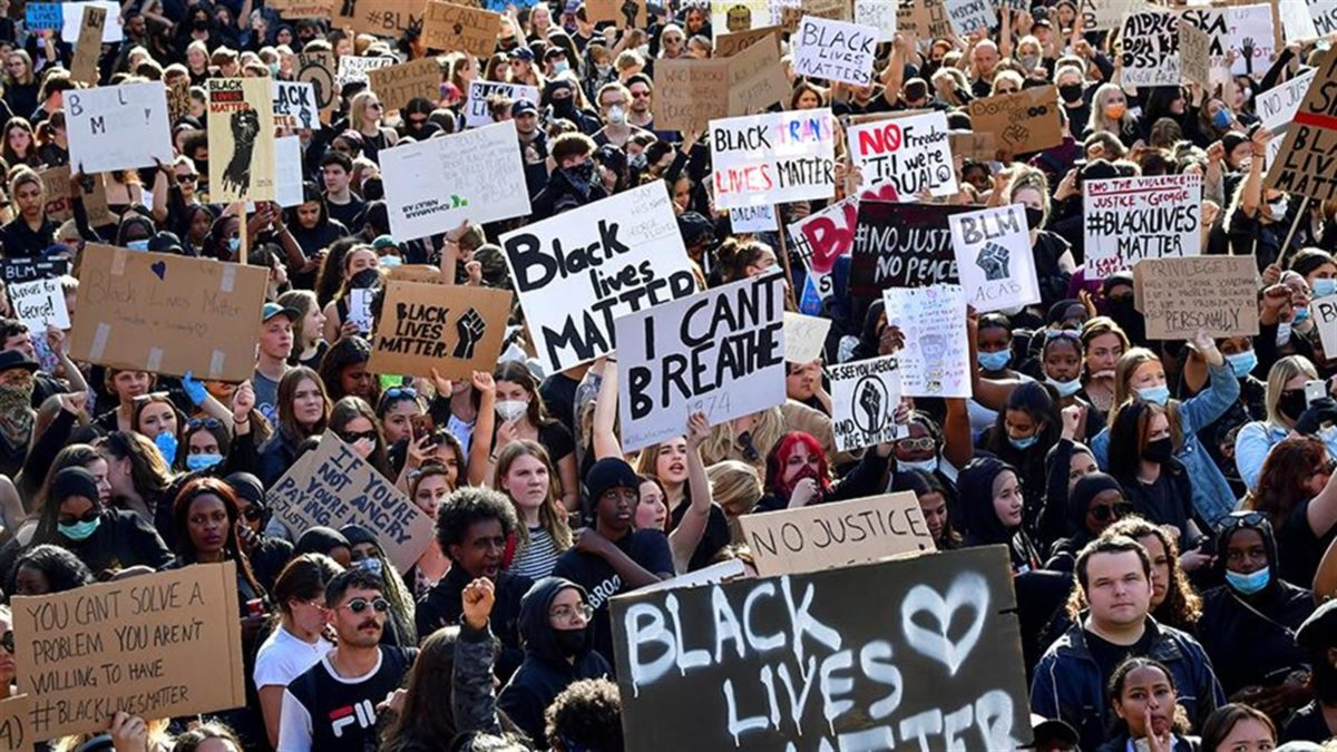 Photo of A rally in support of the Black Lives Matter movement disperses in Stockholm