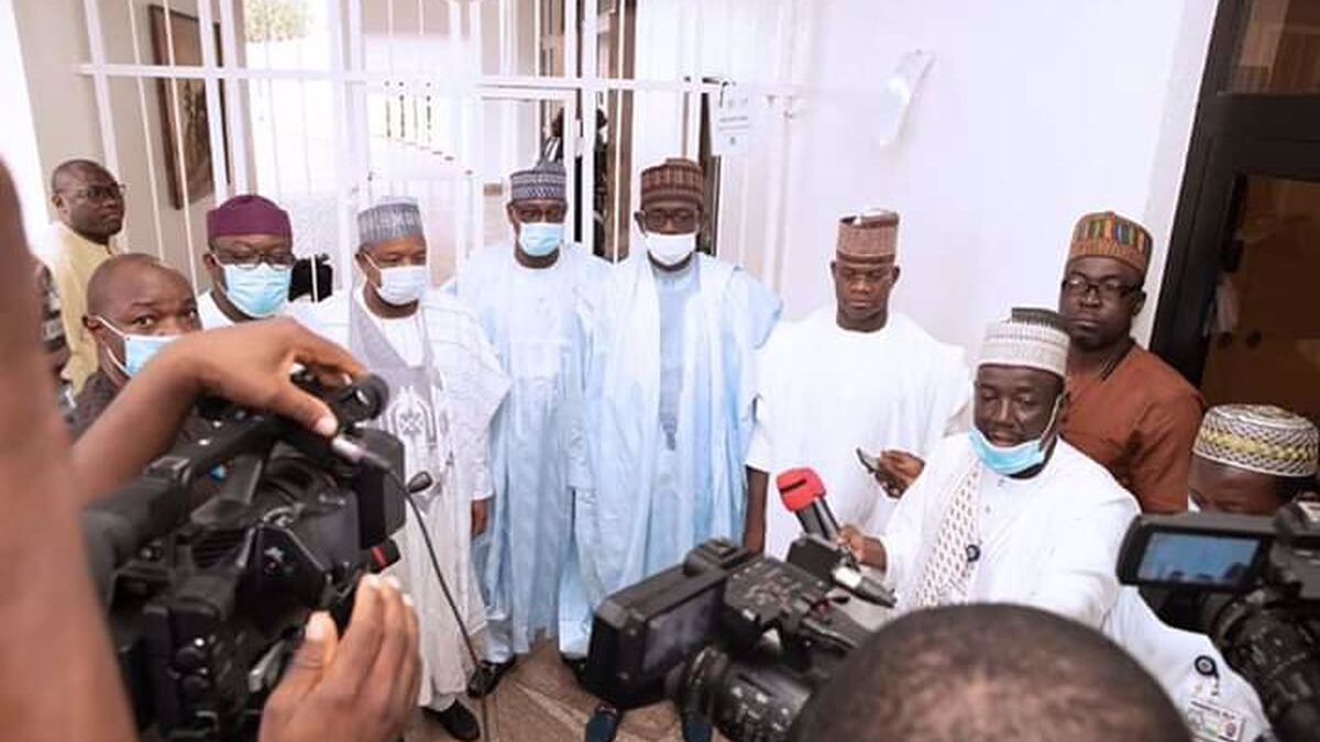 Yahaya Bello, the Governor of Kogi state, refused to wear a face mask after meeting with President muhammadu Buhari in Aso rock on Friday.