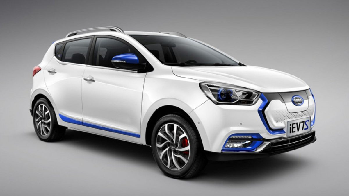 Photo of Electro hatchback costs JAC iEV7S assembled in Kazakhstan