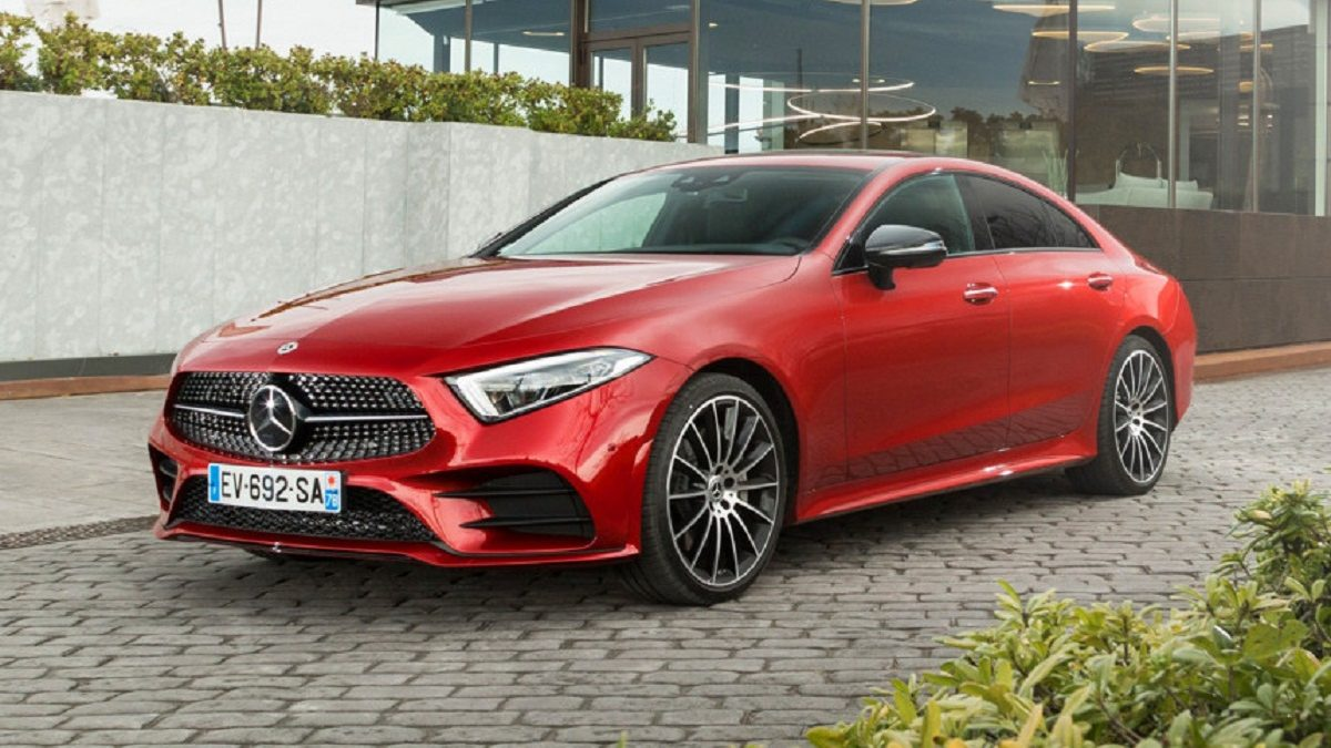 "The current Mercedes-Benz CLS debuted in the fall of 2017, so it's too early for a full-fledged facelift. But the ""four-door coupe"" has already got some elements of the recently updated ""eshka"""
