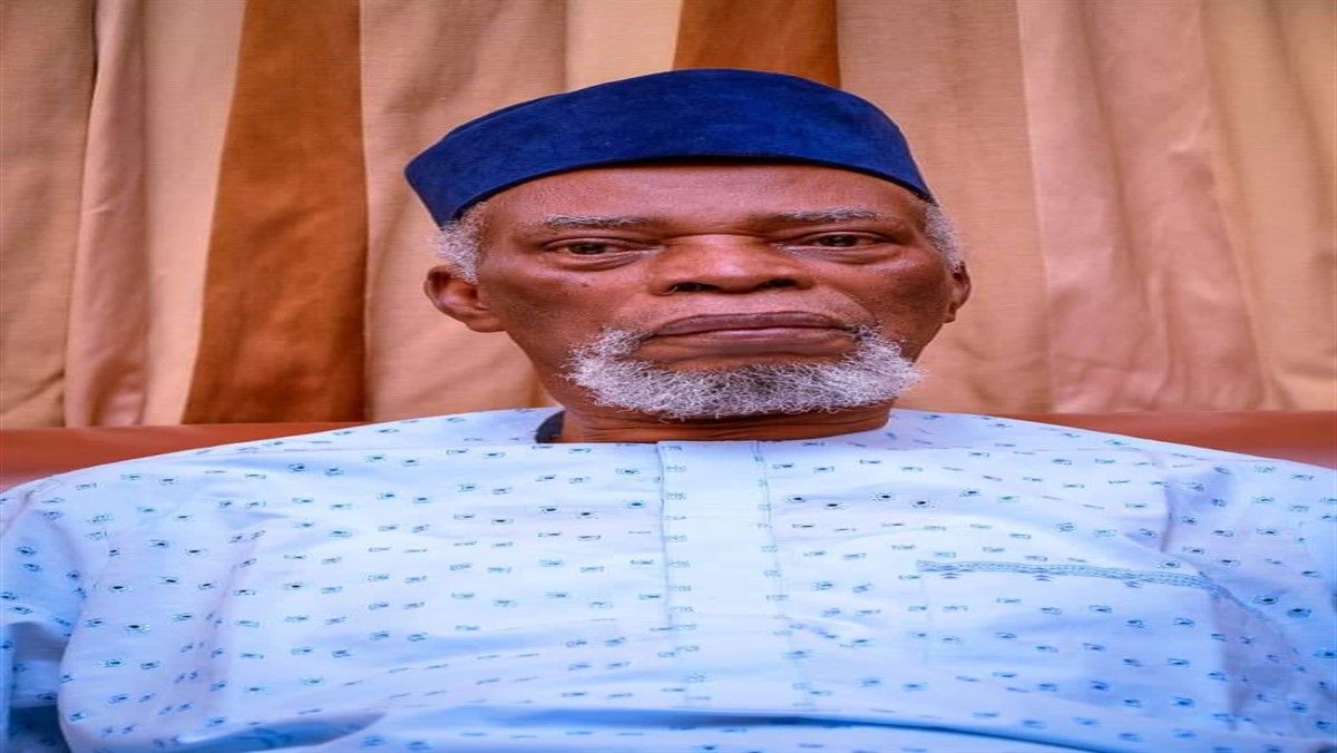 The former old Ondo State governor, Evangelist Bamidele Ishola Olumilua, is dead after a brief illness.
