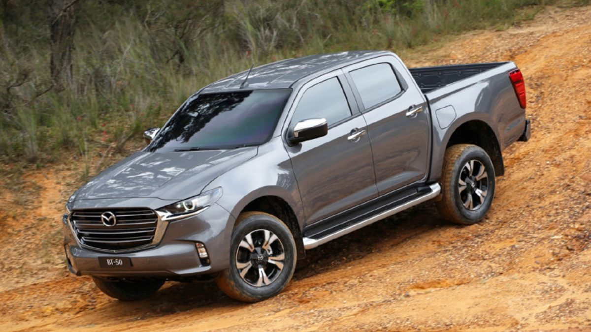 The BT-50 and D-Max models share a common frame, cab frame, cargo platform, and part of the exterior panels. However, the designers of Mazda