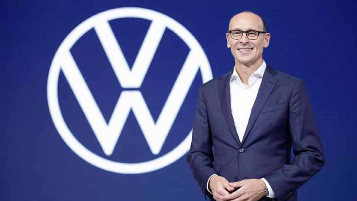 A few days ago, we reported on the upcoming personnel changes in the Volkswagen group. Now they are officially announced, but not all the information was confirmed. Then it was assumed that the head of the Volkswagen brand instead of Herbert Diess will be the current CEO of Porsche, Oliver Blume. Diess will indeed leave the post of head of the Volkswagen brand, although he will remain at the helm of the eponymous concern, but his successor will be the current chief operating officer Ralf Brandstetter (pictured), who will take up a new position on July 1. Brandstetter joined Volkswagen in 1993, worked for its sister company Seat for about a decade, and has been chief operating officer for two years. For many years, he was engaged in purchasing components and led projects to develop new machines. According to Herbert Diess, branstetter played a key role in the transformation of the Volkswagen brand, and in the coming years he will have a lot of work: at the end of may, The company announced its plans to sell 1.5 million electric vehicles annually in the Chinese market.