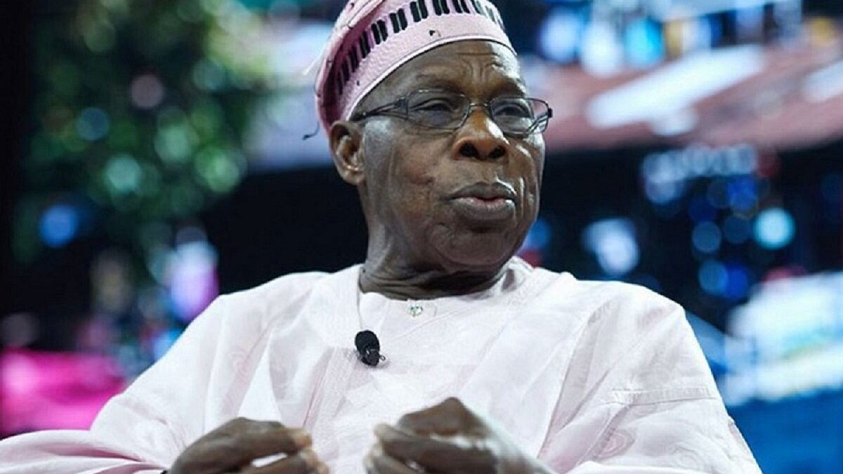 Photo of Obasanjo is Nigeria's divider- in- chief – Garba Shehu