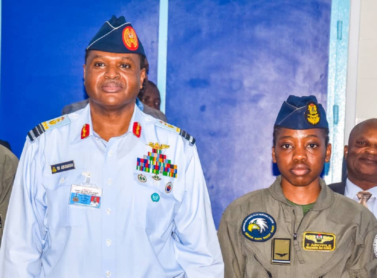 Tolulope Artile, the first ever female combat helicopter pilot in Nigeria, is dead. She was barely 23 years old