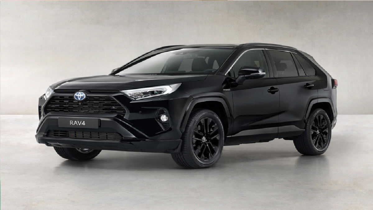 The fashion for black-black special versions has reached the Toyota RAV4 crossover: this variant called the Black Edition is presented in Europe. All features are typical