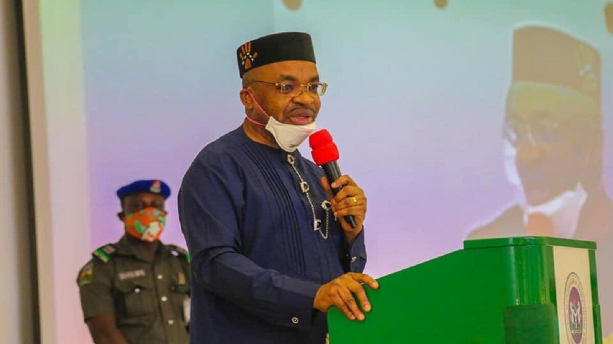 Photo of Governor Udom Emmanuel- Akwa Ibom boosting the economy with roads construction(Photo)