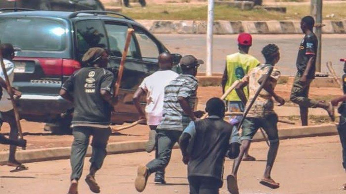 Kwara Imposes 24-hour Curfew In Ilorin As Warehouse Lootings Turn Violent