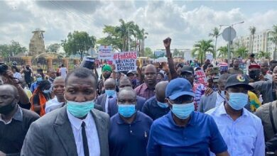 Photo of Lagos governor Sanwo-Olu joins #EndSARS protests, Meet IGP(PHOTOS)