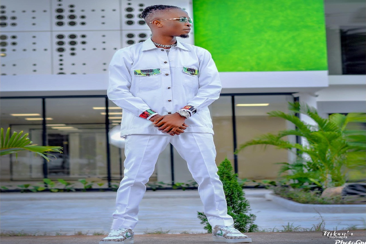 Photo of BBNaija Winner, Laycon Rocks Nigeria Themed Outfit To Mark Independence Day (Pix)