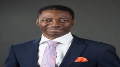 Photo of Pastor Adeyemi blasts Presidency, When did it become threat for citizens to express opinions