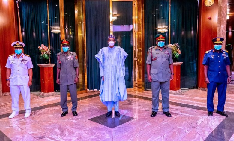 I Will Pray For Your Success, Buhari To New Service Chiefs