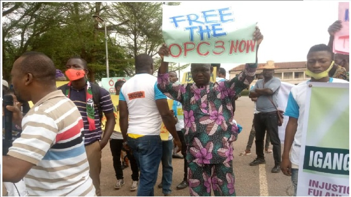 Unlawful Arrest: Ibarapa Youths Storm Gov Makinde's Office to Protest