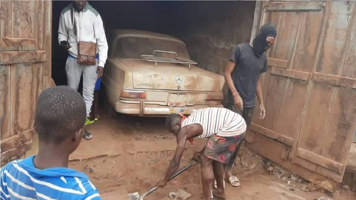 Mercedes found 40 years after rich man hid it over fear govt may seize it