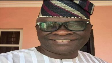 Ekiti Senator Awards Scholarship To 500 Students