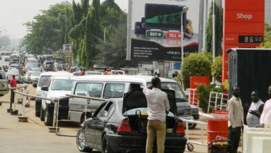Fuel shortage Hits Abuja, Commuters, Car Owners Stranded