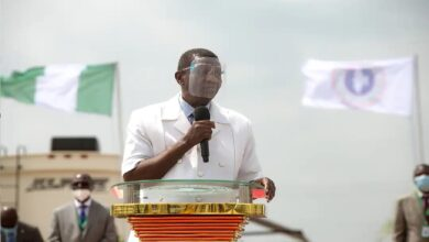 Pastor Enoch Adeboye of the Redeemed Christian Church of God, RCCG, has criticised state governors forcing Nigerians to take COVID-19 vaccine.