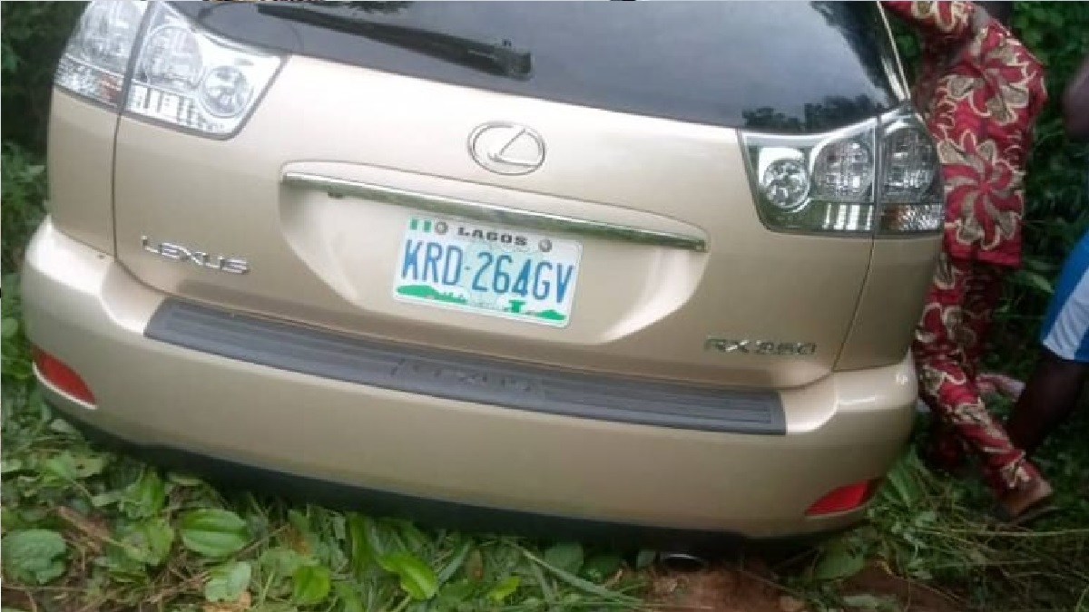 Five persons travelling in a Lexus 330 Sports Utility Vehicle (SUV) were on Friday evening, abducted while another was killed between Ewu-Ekiti and Ayetoro-Ekiti in Ido/Osi Local Government Area of Ekiti State.