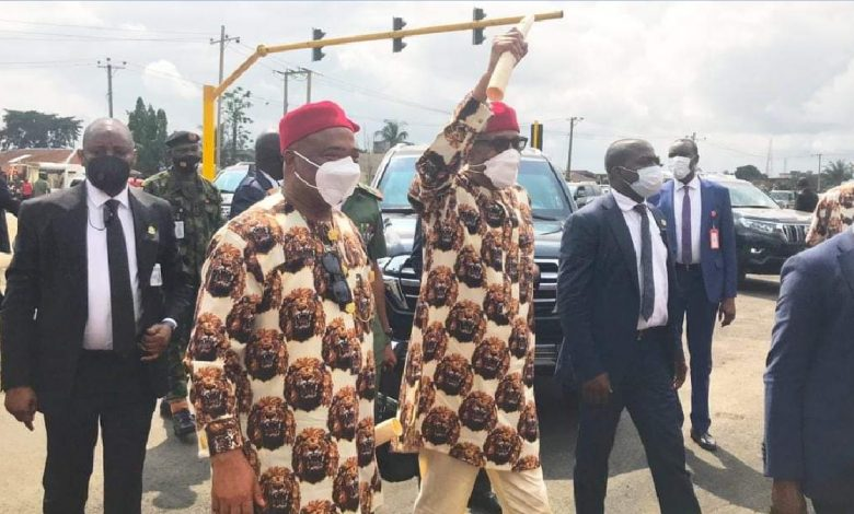 VIDEO: Disappointed Buhari Meets Low Turnout, Refuses To Smile Upon Arrival At Imo State