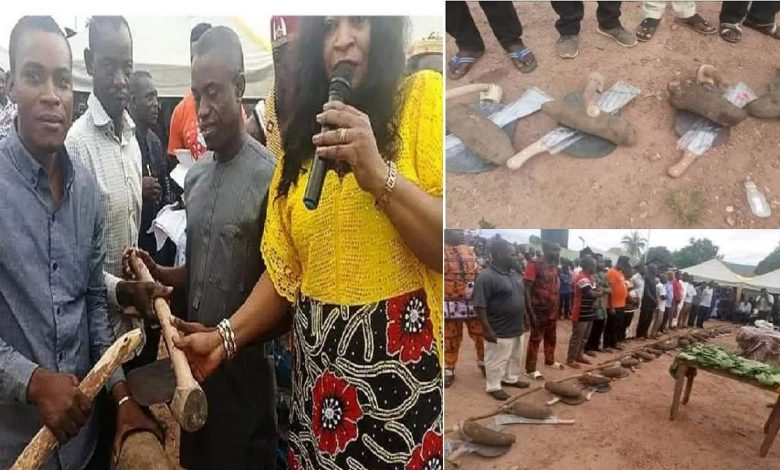 Local Govt Chairman empowers his people with a yam tuber(PHOTOS)