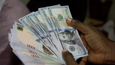 Naira's Free Fall Continues, Now Exchanging At ₦550 To $1