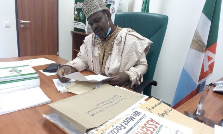 Budget: Buhari borrowing N5.01 trillion to service stolen funds